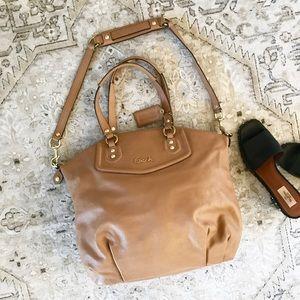 🌿GOURGEOUS coach bag like new!